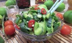 Китайский салат из огурцов  «Битые огурцы»