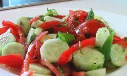 Овощной салат с горчичным соусом