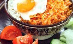 Нази горенг, жареный рис