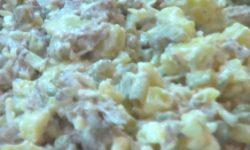 Мясной салат с отварной говядиной