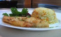 Филе телапии в маринаде с рисом и морковкой