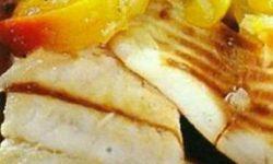 Рыба под персиковым соусом