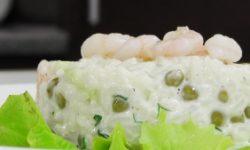 Салат рисовый с креветками под домашним майонезом