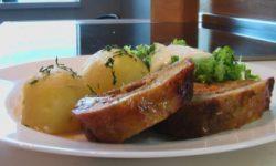 Рулет мясной с морковью