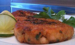 Котлеты из лосося с эстрагонновым маслом