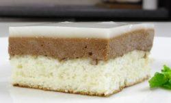 Бисквитное слоеное пирожное