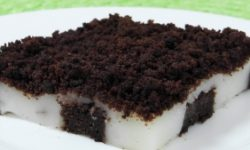 Шоколадное пирожное с ванильным кремом