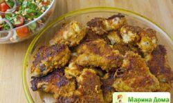 Куриные крылья с маслом, горчицей и сыром
