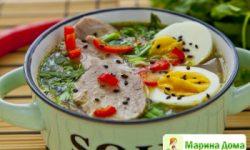 Простой суп рамен со свининой