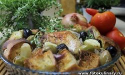 Курица по-итальянски с кусочками чиабатты